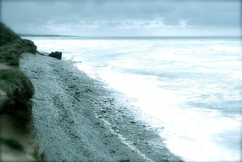 une plage de plomb